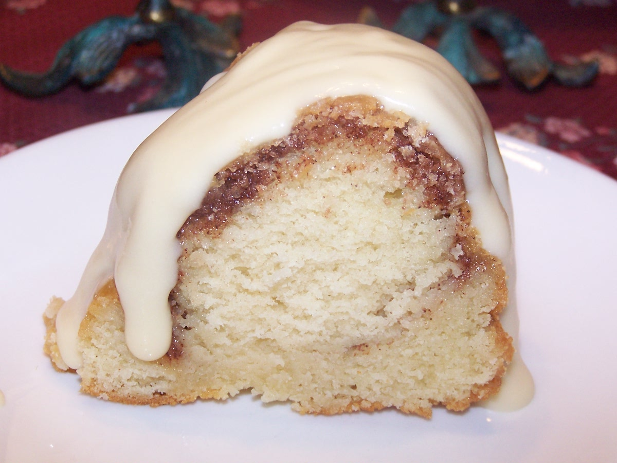 Cake Recipe With Icing In The Batter: Cinnamon Bundt Cake With Cream Cheese Icing