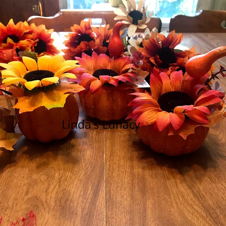fall decorating pumpkins