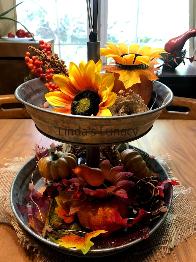 fall decorating table display